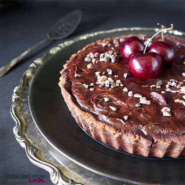 Paleo and Gluten-Free Vegan Chocolate Black Cherry Tart | Gluten-Free Vegan Love